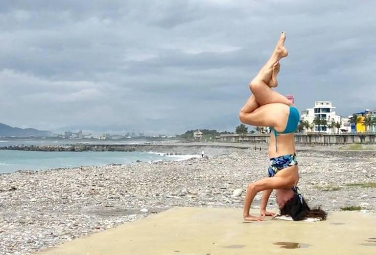 有結實腹肌的蘭嬤,是地表最強健身阿嬤。圖片由蘭嬤授權「有肌勵」刊出