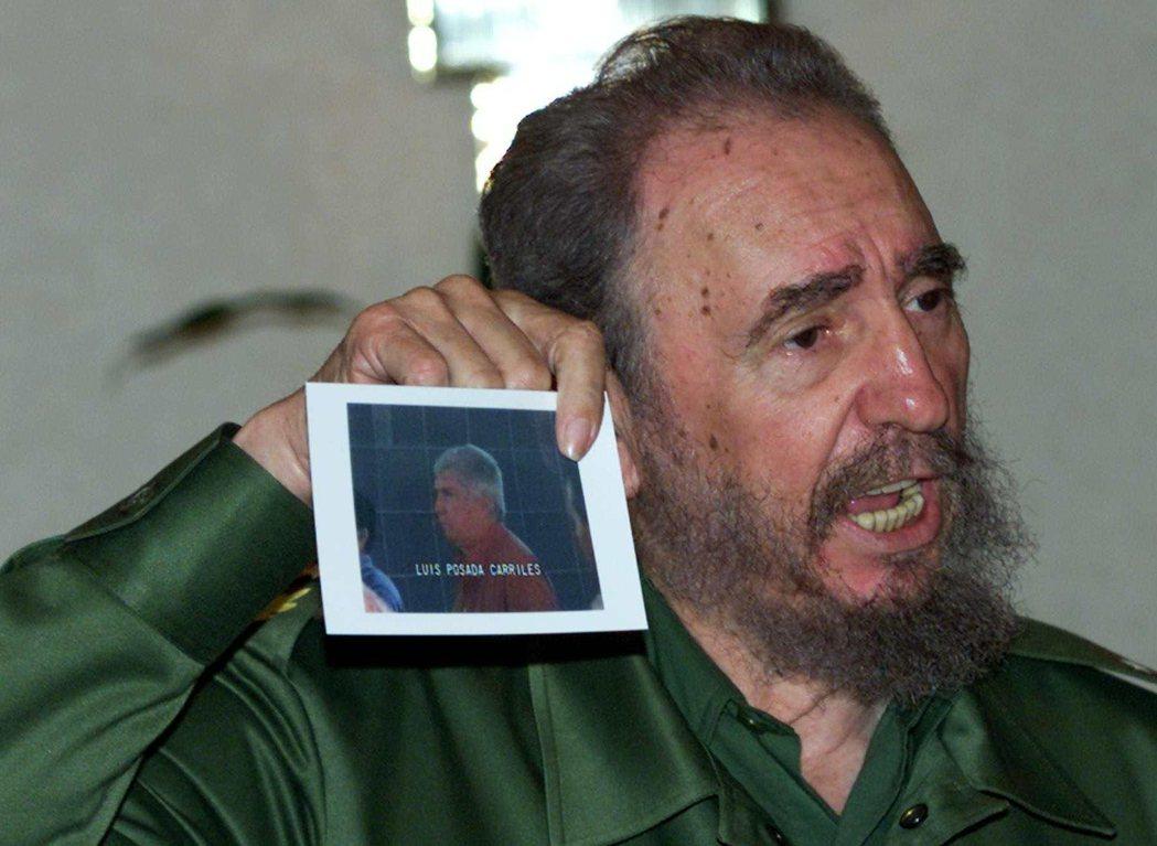 古巴政府至1992年已經建成「黃蜂網絡」,成功滲透反古巴政權的多個社團;而他們頭...