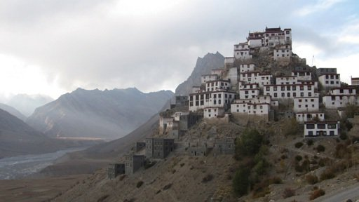 印度西喜馬拉雅山區斯皮提山谷的凱伊寺(Kye Monastery),是目前斯皮提山谷最大的寺院,見證了該地千年興衰。