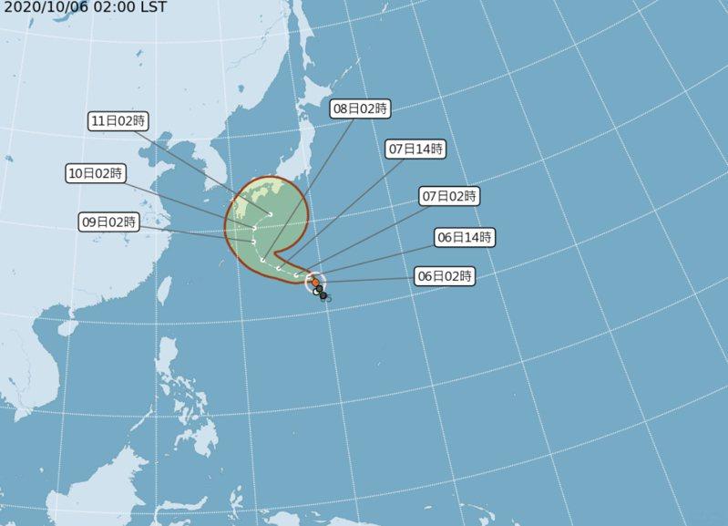 根據氣象局「路徑潛勢預測圖」顯示,第14號颱風「昌鴻」緩慢增強,朝琉球東方海面再向北迴轉,70%不確定性範圍很大。圖/中央氣象局提供