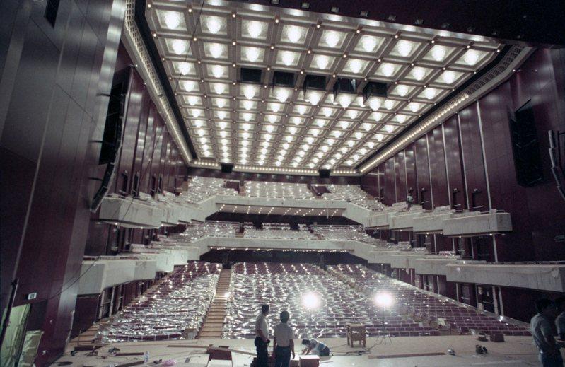 1987年6月正在施工中的國家音樂廳內部一景。圖/聯合報系資料照片