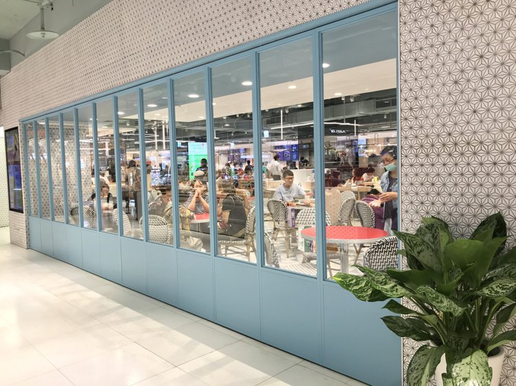 SOGO忠孝館美食街改裝大變身。記者江佩君/攝影