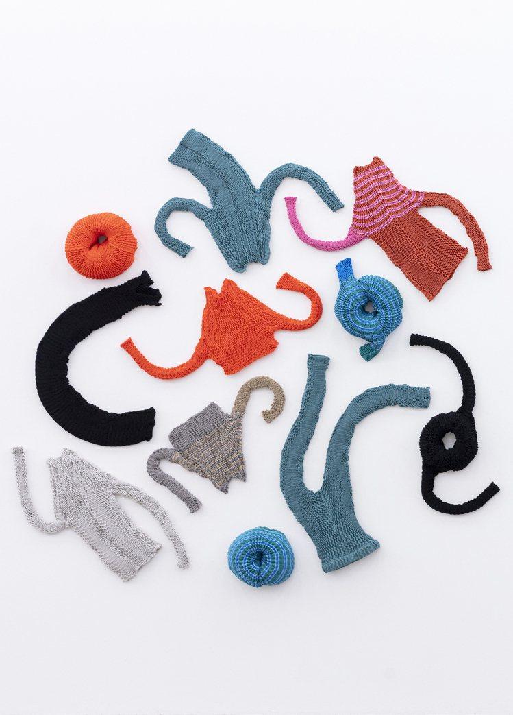 全新的Spongy針織系列是多彩有趣的服裝。圖/ISSEY MIYAKE提供