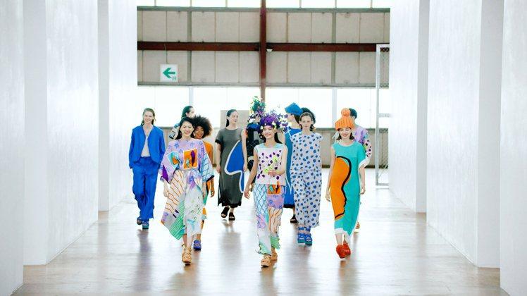 ISSEY MIYAKE首度以網路方式發表2021春夏系列服裝。圖/ISSEY ...