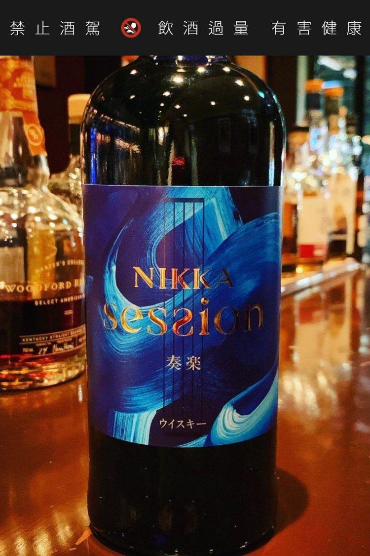 酒標上以漢字「奏樂」標示。圖/摘自BAR鶴亀臉書。提醒您:禁止酒駕 飲酒過量有礙...