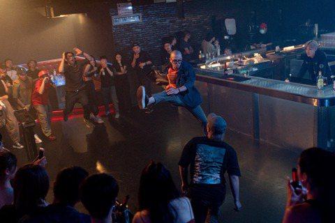 呂士軒金曲失利,將於11月7日於Legacy Max舉辦「小明來了 Trout Fresh」個人首場個唱,邀粉絲一起「大特醉」!而「大特醉」也是他與金曲金音黑馬音樂人黃宣(YELLOW)合作的新歌,...