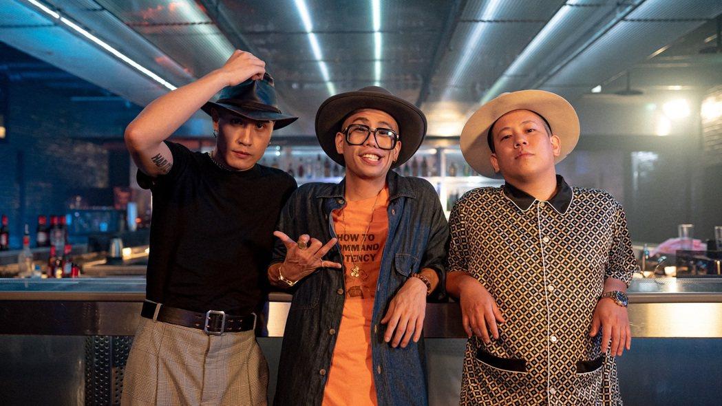 呂士軒(左起)、黃宣與YouTuber恩熙俊。圖/RoboKatz提供
