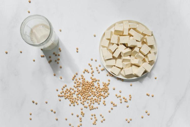 血糖低的時候,來杯豆漿吧!提升一整天的工作效率。圖/摘自 pexels