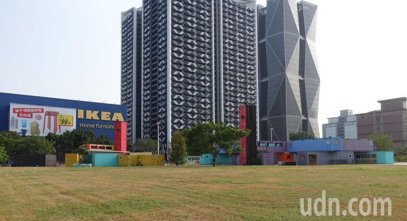高雄市規畫的社會住宅基地之一,和中鋼企業總部、IKEA為鄰,屬亞灣區黃金地段。記者楊濡嘉/攝影