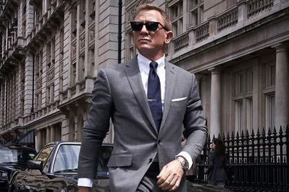 「007生死交戰」檔期從今年4月初被延到11月中,近日又宣告要再從11月中延到明年4月才上映,整整推遲一年。今年初已經開始為這部片作宣傳的「龐德女郎」安娜迪阿瑪斯,早先在雜誌訪問時就表示,好像已經回...