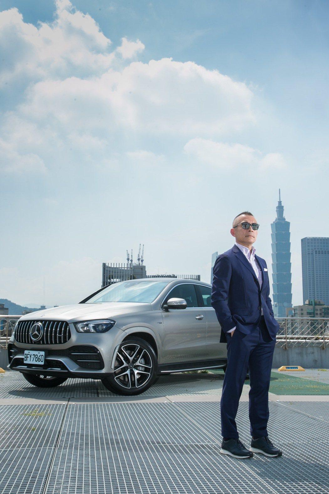 近期計畫換購新車的Michael,特別來體驗兼具性能、舒適與個性的GLE 53 ...