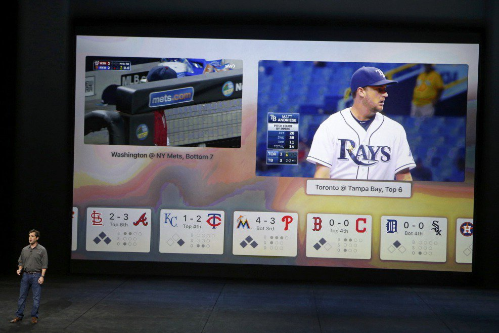 未來,OTT運動轉播型態應該會是常態。圖為MLB於2015年記者會上介紹在Apple TV上的球賽轉播。 圖/路透社