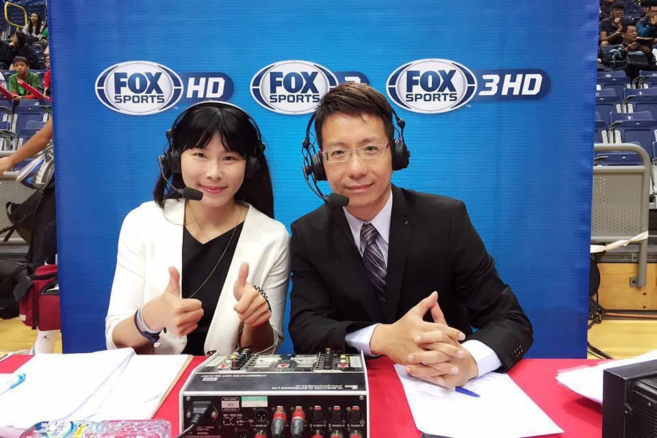 在運動頻道與韓劇、網紅直播、政論節目的共同競爭下,台灣FOX體育台的離開,也是FOX與迪士尼集團整併後,開出無情但合理的第一槍。圖為FOX主播田鴻魁(右)。 圖/取自田鴻魁臉書粉絲專頁