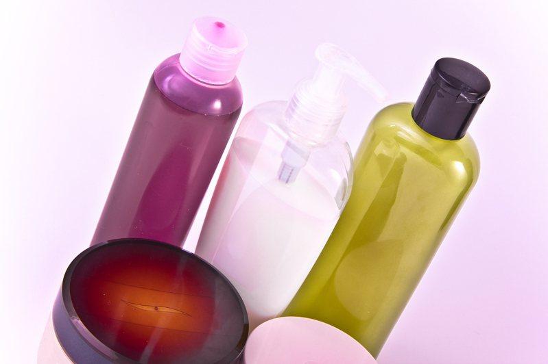 彩妝保養品示意圖。 Ingimage