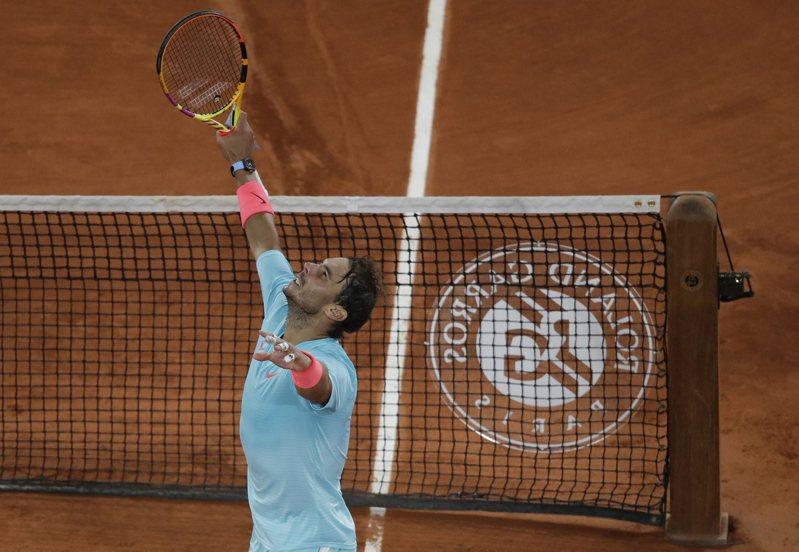34歲的納達爾在創下法網史上最晚完賽紀錄,還是直落三挺進男單四強。 美聯社