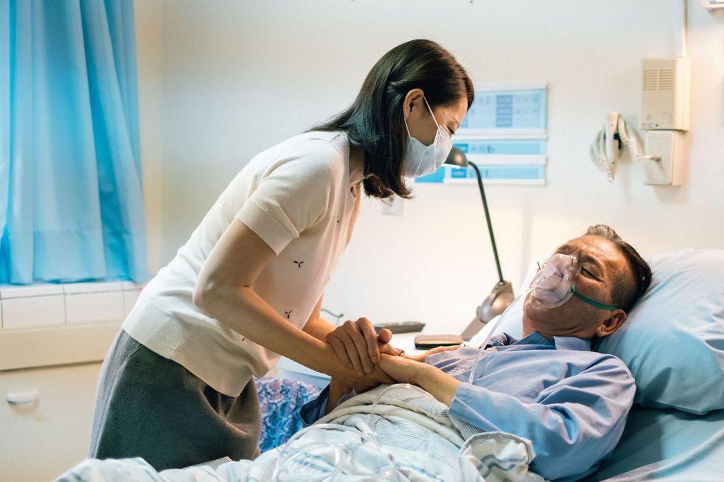 丁寧在片中飾演龍劭華的情人。圖/威視提供