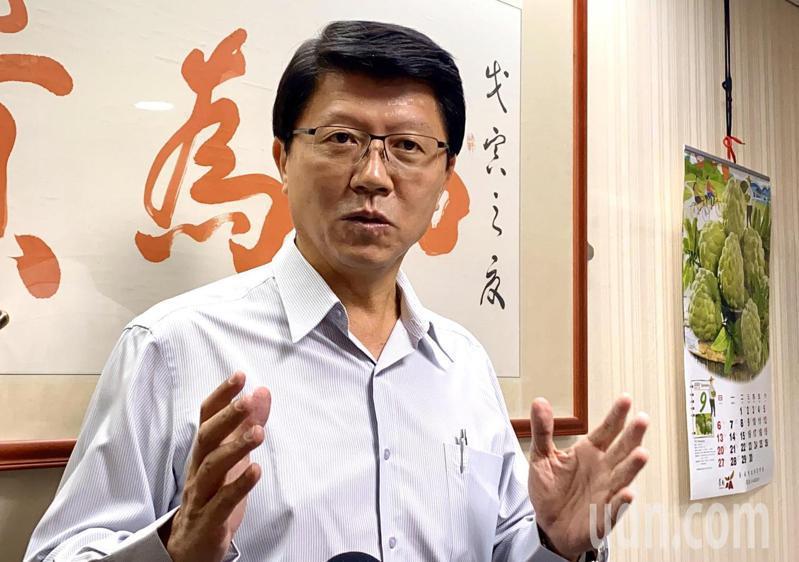 國民黨副秘書長謝龍介認為國民黨就是擔心兩岸兵凶戰危,所以提出中華民國就是主權獨立的國家,從未撼動,也奉勸蔡英文總統勇敢面對兩岸問題。記者鄭維真/攝影