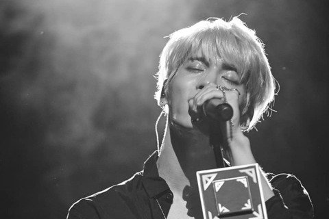 Shinee已故成員鐘鉉的母親為兒子成立的「Shinin基金會」,除了幫助和鍾鉉一樣在痛苦中的年輕藝術家們,最近也為了對抗新冠肺炎而舉行了公益義賣並捐出善款打造「心理防疫系統」。Shinin基金會從...