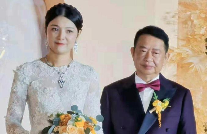 本 結婚 有 香