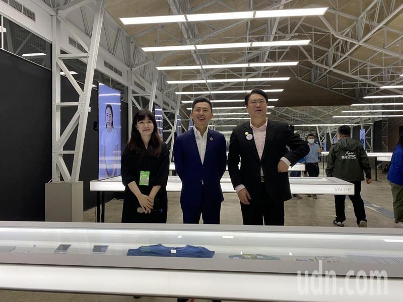 2020台灣設計展「Check in新竹-人來風」展期來到第7天,基隆市長林右昌今率團參訪。記者王駿杰/攝影