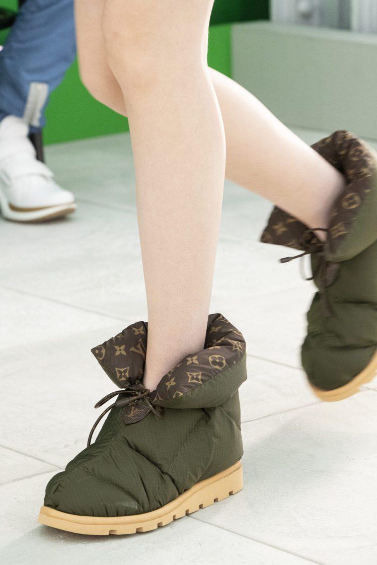 內襯monogram圖樣的雪靴也是2021全新鞋款設計。圖/LV提供