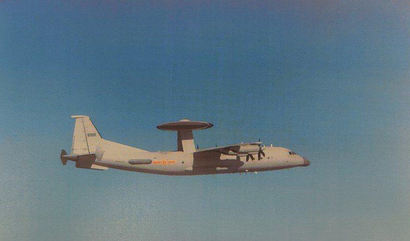 國防部今晚發布共機動態,指中共一架次空警500預警機,今天進入我西南空域活動。圖/國防部