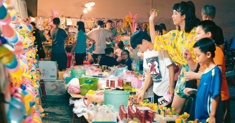 屏東縣政府發表最新形象影片,以「屏東總是多一度」為主題,主打台灣的庶民人情味,邀請新生代女神温貞菱拍攝,感受屏東日常。 圖/屏東縣政府提供