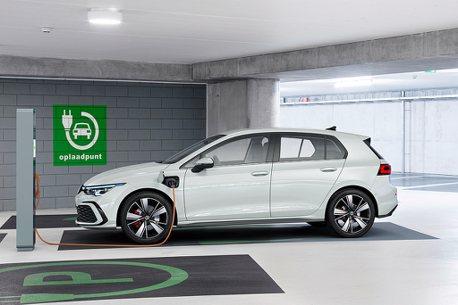 eHybrid、GTE一起上!全新第八代福斯Golf增添兩款插電車型