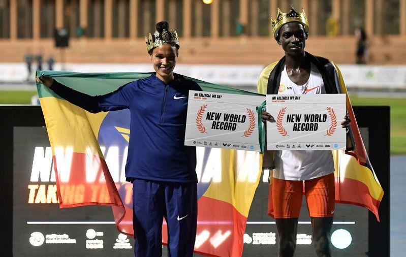 烏干達長跑好手切普特(Joshua Cheptegei)與衣索比亞女將吉迪(Letesenbet Gidey)攜手改寫兩項世界新紀錄。 法新社
