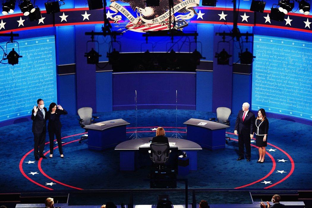 7日晚間在猶他州鹽湖城的「副總統電視辯論會」,是彭斯與賀錦麗本屆選戰中的唯一一場...