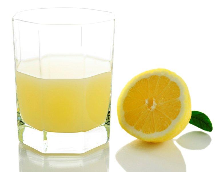 減肥瘦身時還能兼顧增強免疫系統的水果就屬檸檬。圖/ingimage
