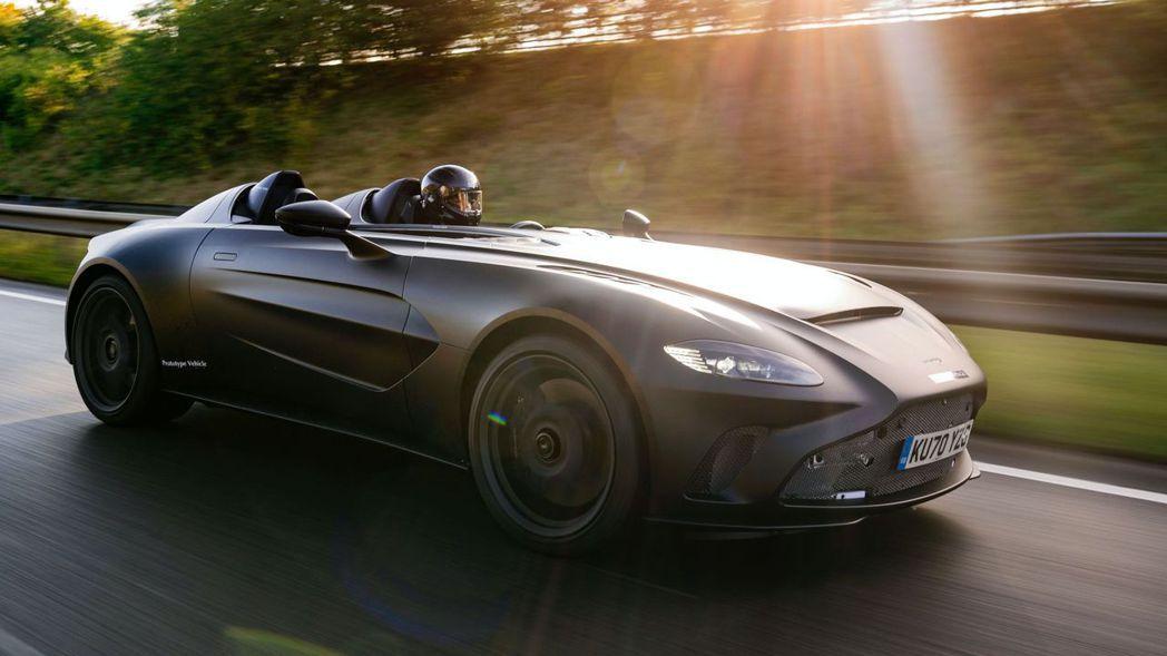 Aston Martin V12 Speedster全車鈑件幾乎都採碳纖維材質打...