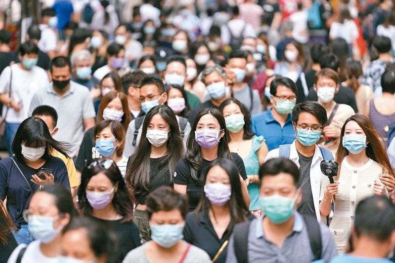香港的2019冠狀病毒疾病疫情近日再度轉差,連日來都出現不明源頭確診個案。中新社