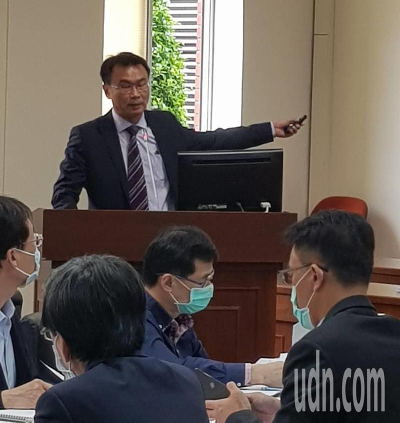 陳吉仲到立法院進行農委會業務報告。記者彭宣雅/攝影