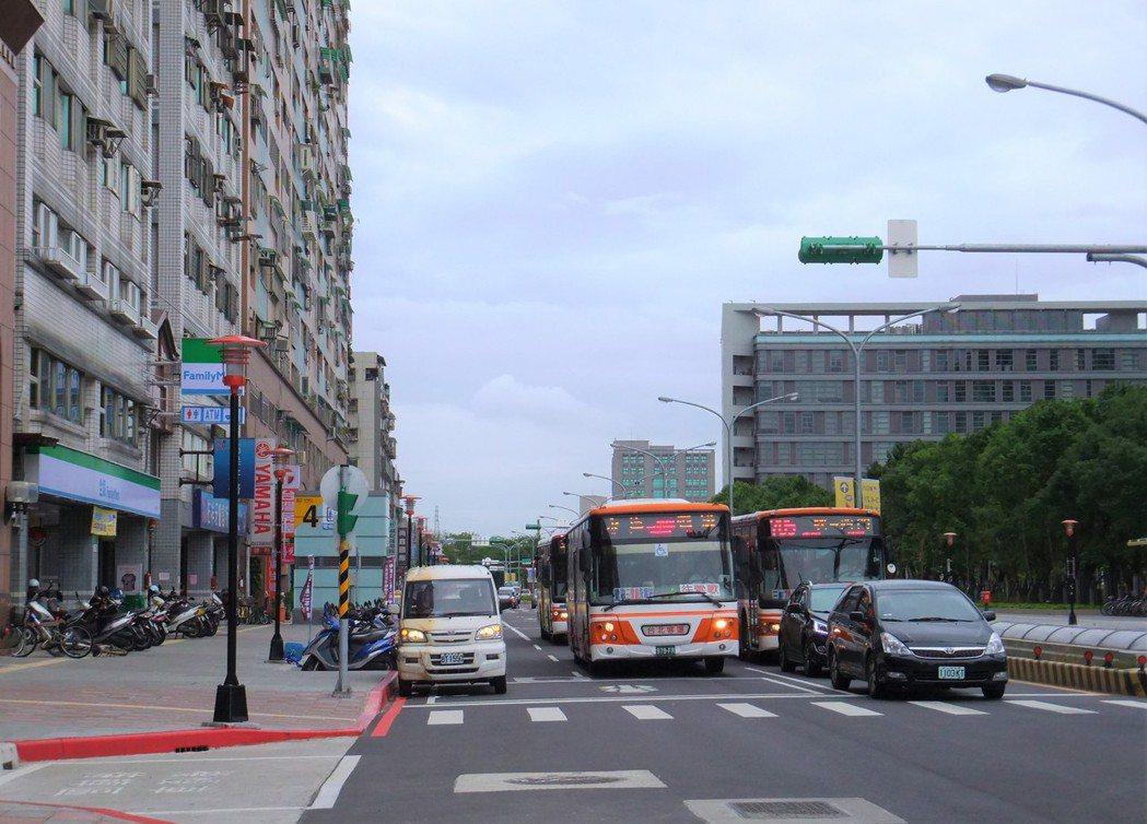 土城區街景示意圖(非當事超商)。記者游智文/攝影