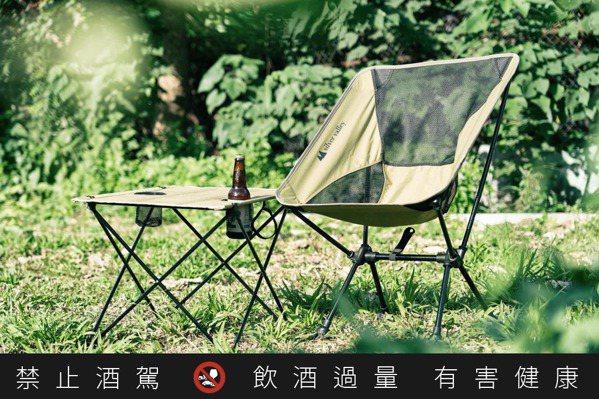啤酒野營好朋友  白銀谷野外餐桌椅  輕巧微醺