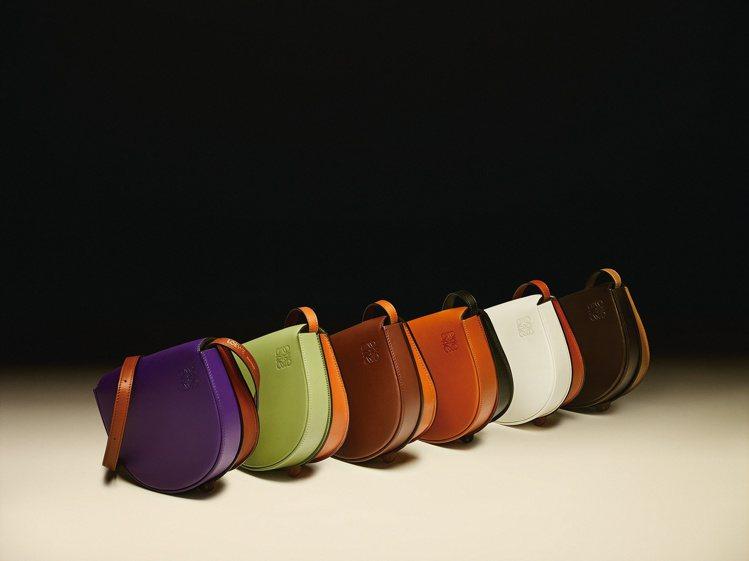 LOEWE春夏以經典包款做色彩或結構變化,Gate包款更形繽紛。圖/LOEWE提...