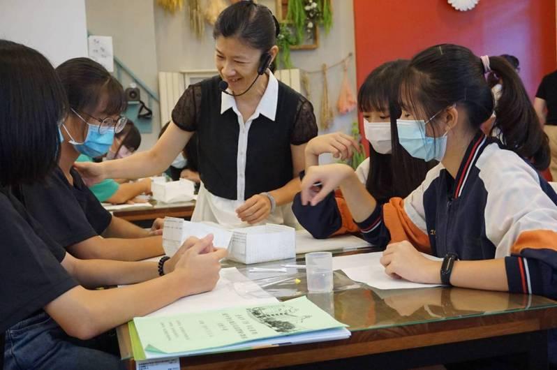 台南市推動技職教育,培養正確職涯觀念有成,榮獲全國技職教育考核優等。記者鄭惠仁/攝影