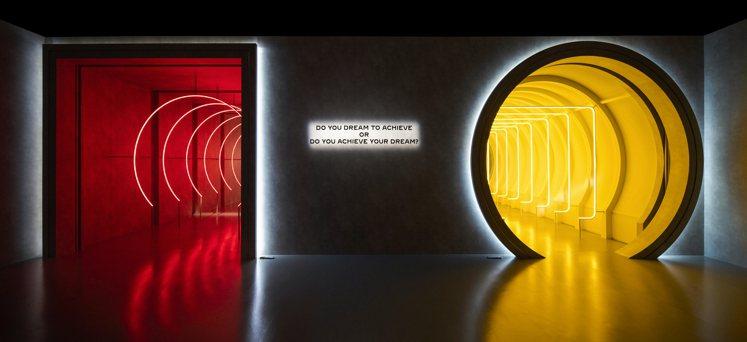 Pasha de Cartier展區中「方中帶圓:成就夢想」以及「圓中帶方:夢想...
