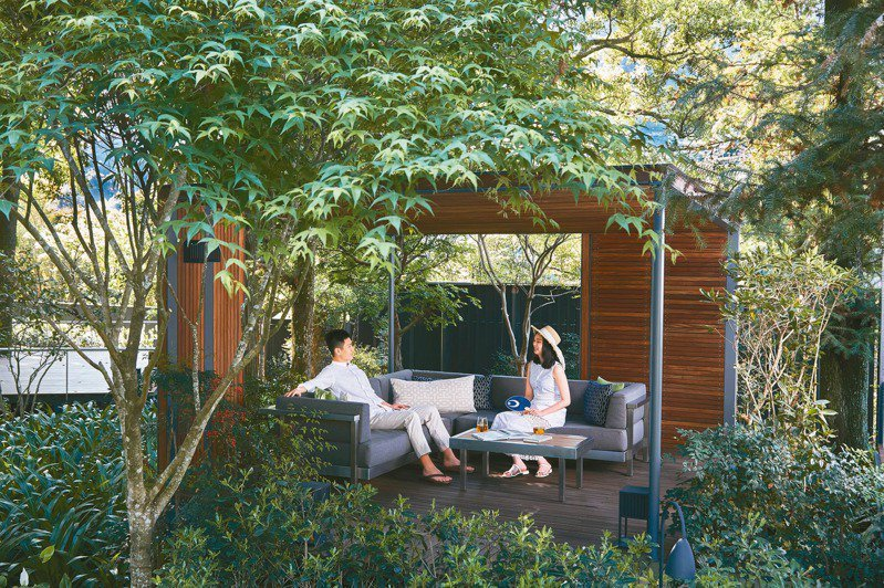 享受「虹夕諾雅 谷關」的最好方法就是在發呆亭閒坐。 圖/星野集團提供