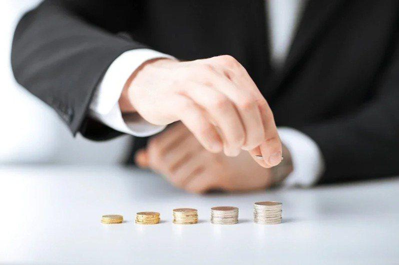 許多人為了增加自己的財富,都會選擇投資理財來豐富收入。 圖/ingimage