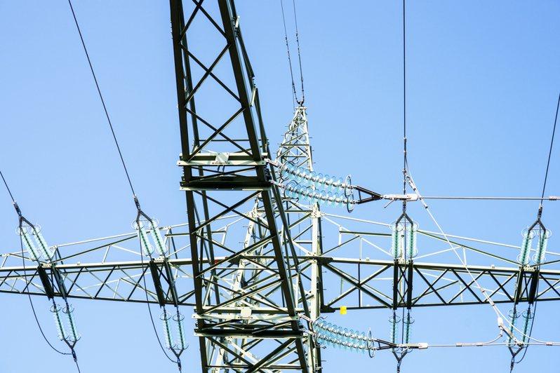 過埤變電所電纜頭故障,高雄市鳳山區、小港區今天下午4時許大範圍停電。示意圖/ingimage