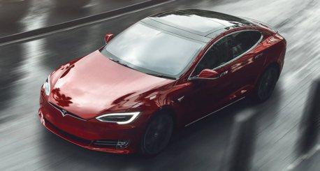 影/Tesla Model S裝3個馬達 竟然只比McLaren Senna慢2秒!