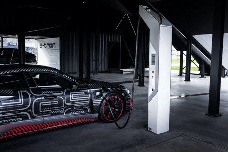Audi發布e-tron GT純電轎跑預告圖! 性能RS車型將同步發表