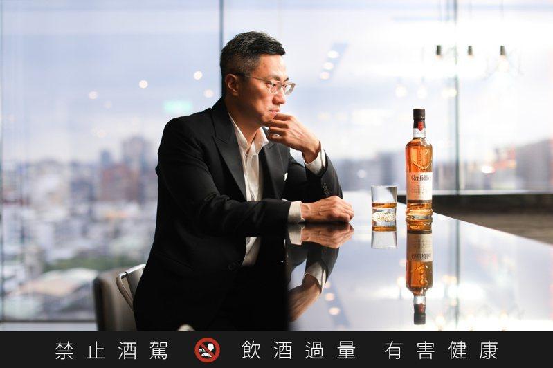 格蘭菲迪品牌大使詹昌憲。記者/吳致碩攝影。提醒您:禁止酒駕 飲酒過量有礙健康。