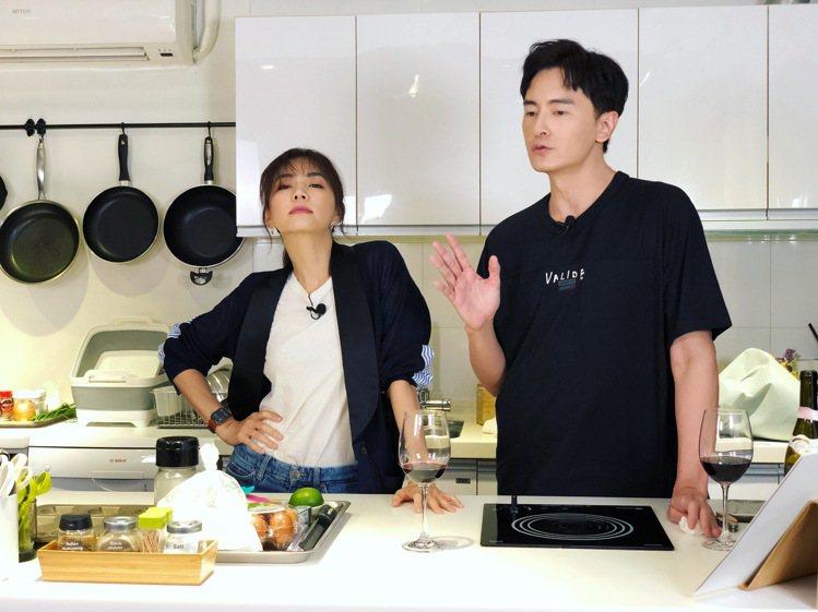 Ella上「鄭元暢之不專業廚房」節目。圖/M.I.E.最大國際娛樂提供