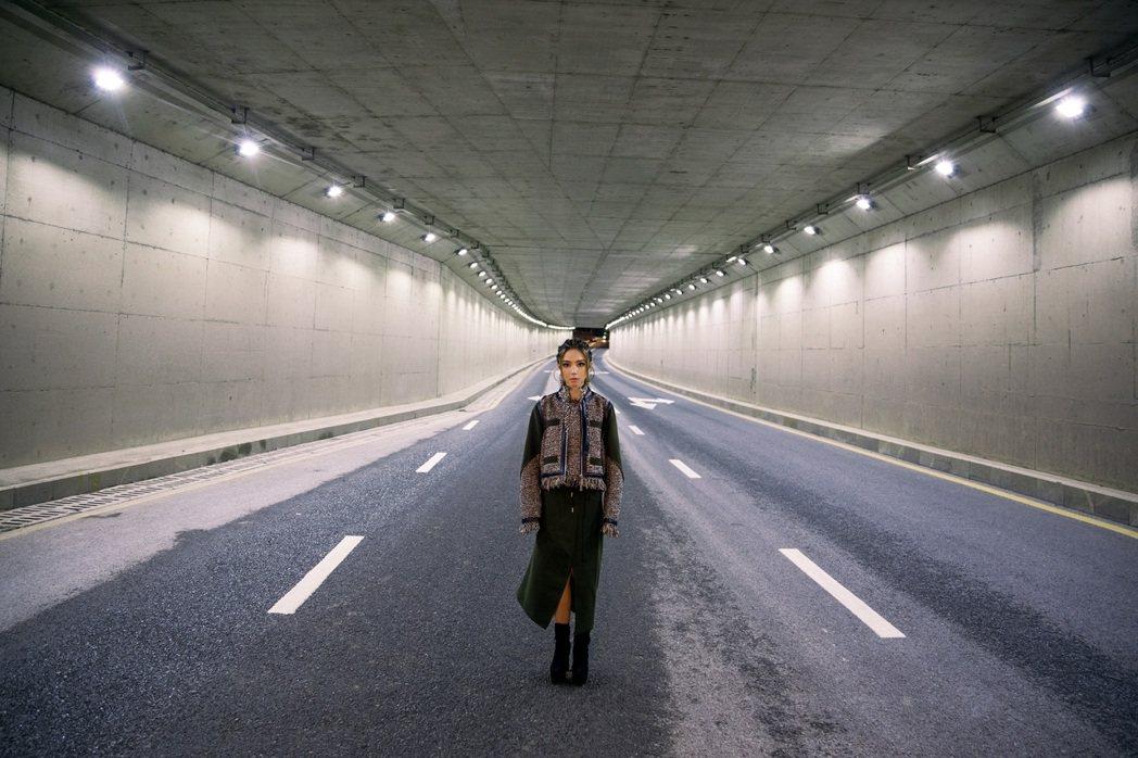鄧紫棋新歌「孤獨」自剖風光後的台下心境。圖/索尼提供