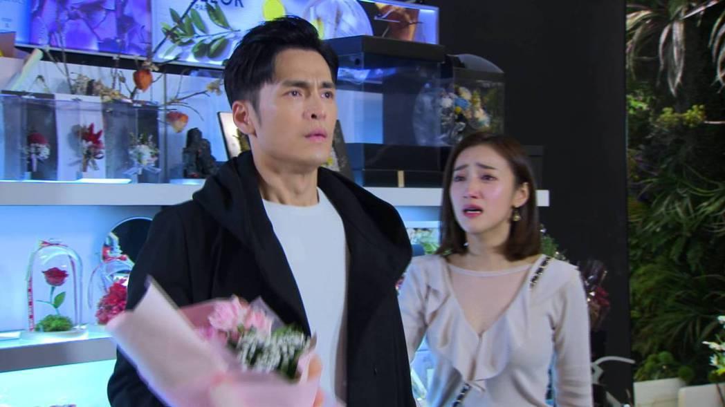 夏宇禾(右)加入「多情城市」演出,飾演Gino的前女友Carol。民視提供