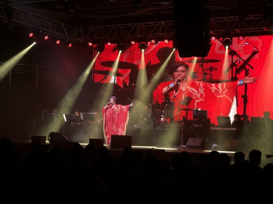 孫情今晚在台北舉辦睽違7年「2020孫情友約-永恆的回憶」小型演唱會,現場高朋滿