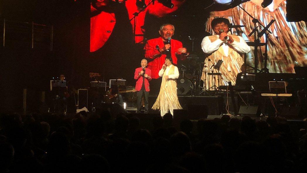 孫情今晚在台北舉辦睽違7年「2020孫情友約-永恆的回憶」小型演唱會,現場高朋滿...